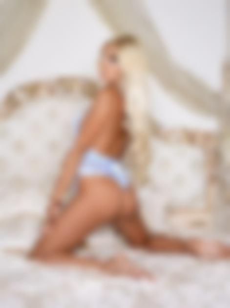 Dubai escort girl Nelly